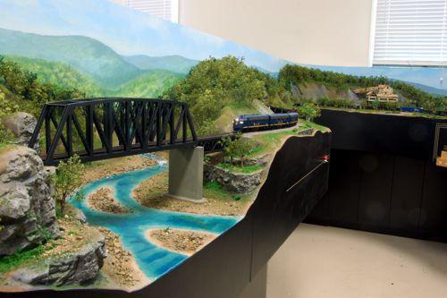 Custom Model Railroads, train layouts and building kits - Home
