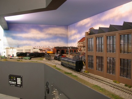 Custom model railroads layouts and kits - Ho scale layouts for small spaces concept ...